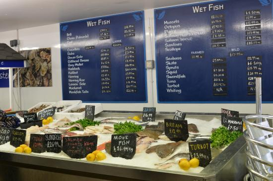 Whitstable, UK: 店内の売り場