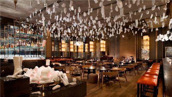 世纪100酒吧(上海柏悦酒店)