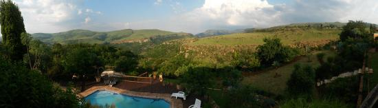 Acra Retreat - Mountain View Lodge - Waterval Boven: Amazing Panorama from the main Deck