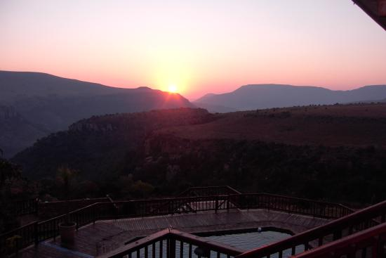 Waterval Boven, Южная Африка: Sunrise over Acra Retreat