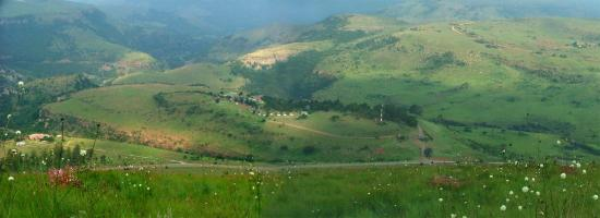 Waterval Boven, Sydafrika: Acra Retreat seen from top of South Hill (Suid Heuvel)