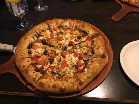 pizza hut sainte julie 1950 rue leonard de vinci menu prix et rh fr tripadvisor ca