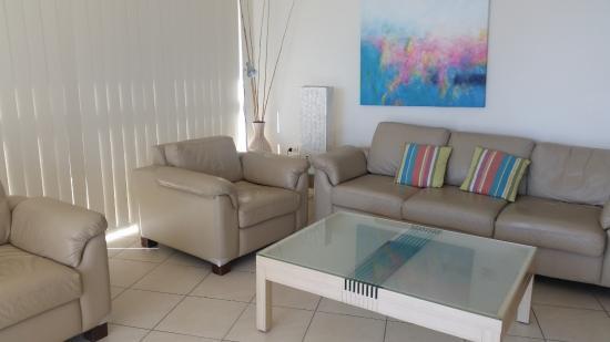 Rainbow Place : Living area