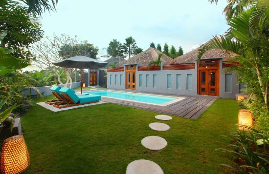 The Apartments Canggu: garden and common area
