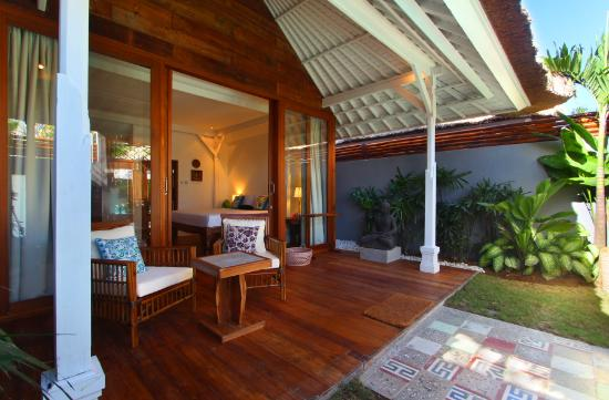 The Apartments Canggu: balcony with private garden