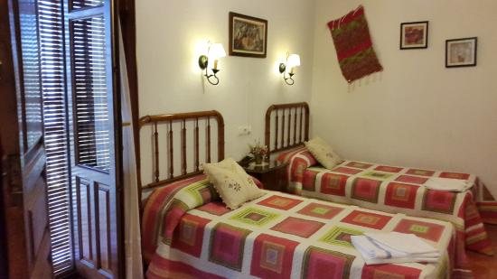 Venta de los Herradores: dormitorio El Almendro