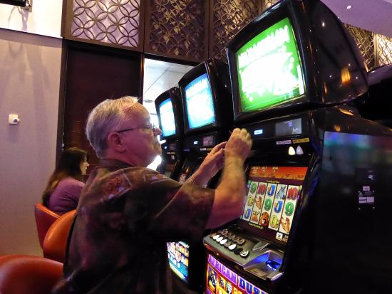 Poker machines surfers paradise poker in atlanta ga