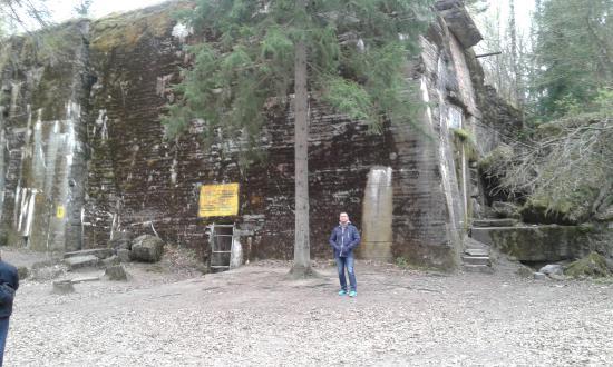 Gierloz, Polonia: 10 m zbrojeń nad bunkrem Hitlera