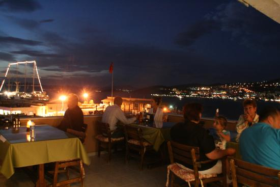 Mr Happy's - Liman Hotel: Roof top Terrace