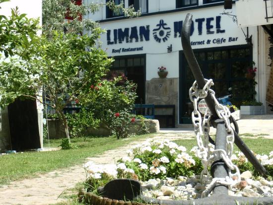 Mr Happy's - Liman Hotel: Front entry