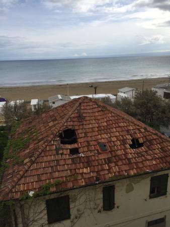 Hotel Caggiari: Vista mare???