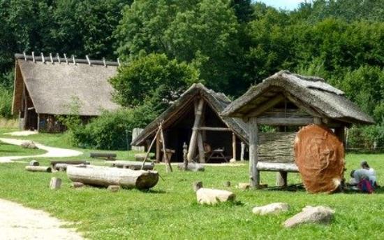 Albersdorf, Germany: Das Steinzeitdorf