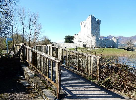 Holiday Inn Killarney: Castle in the park.