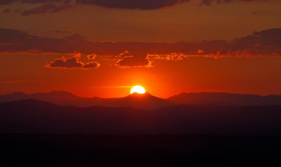 North Tamborine, Австралия: Sunset over the Great Diving range