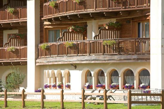 estate hotel flora