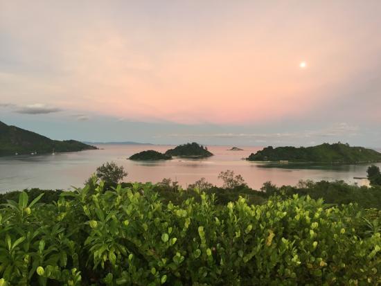 Cerf Island, เซเชลส์: Sunset at Helipad