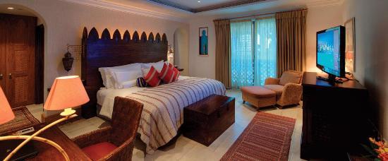Jumeirah Dar Al Masyaf at Madinat Jumeirah: The inside of Malakiya Villas.