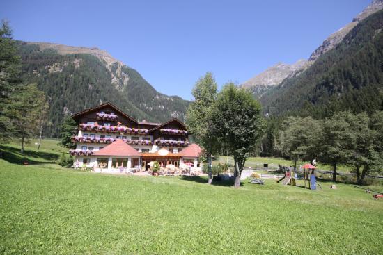 Alpenhotel Badmeister: Aussenansicht Sommer