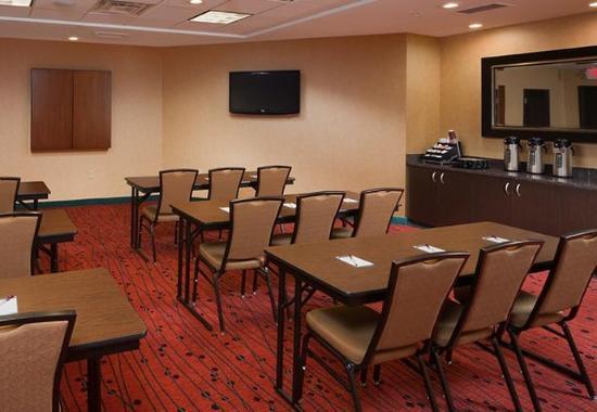 Residence Inn Midland: Meeting Room