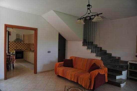 Soggiorno con divano letto picture of residence la - Divano letto hotel ...