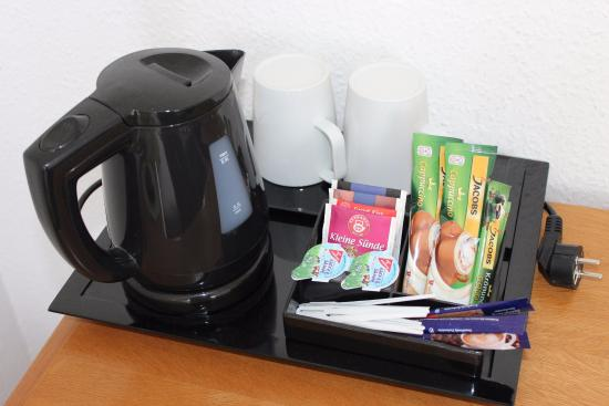 Wellnesshotel Jagdhaus: alle Komfortdoppelzimmer mit Kaffee- / Teestation