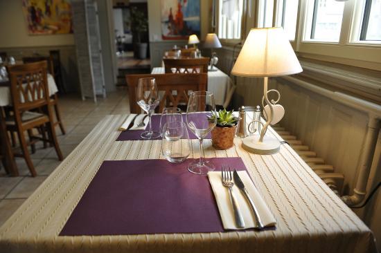 Ingrandes, Francia: salle de restaurant