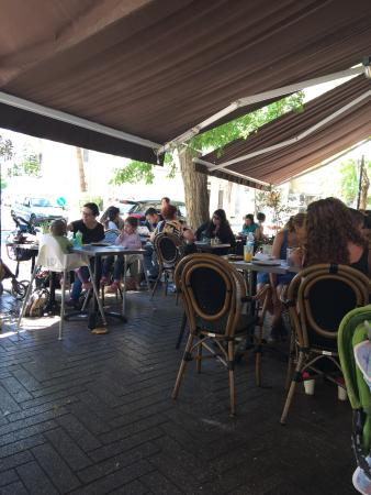 Photo of Cafe Cafe Zelik at רחוב שינקין 3, Giv'atayim 5329102, Israel