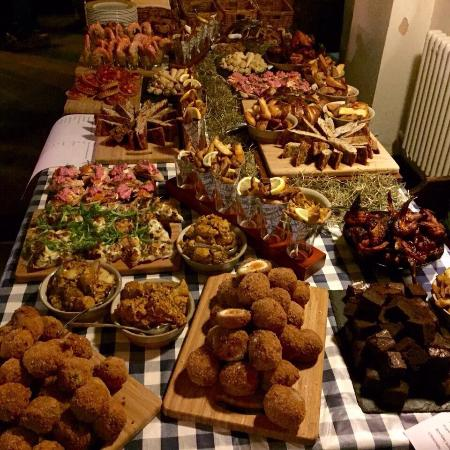 Combeinteignhead, UK: Birthday buffet!