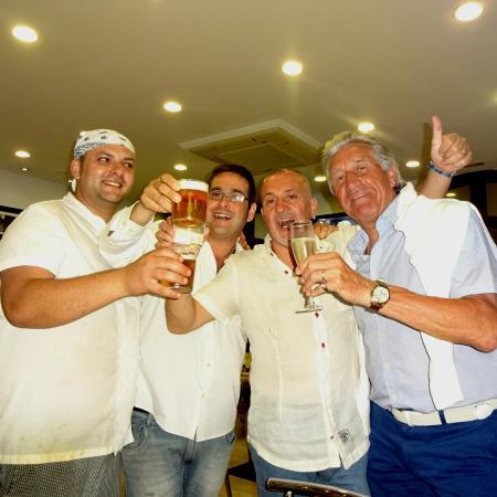 La Pappardella: Gracias a todos los amigos por una diner esplendido y la fiesta por mi cumpleano!