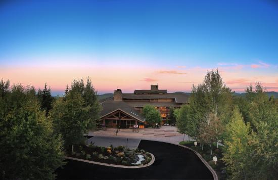 Sunriver Resort_ Scenic_Main Lodge
