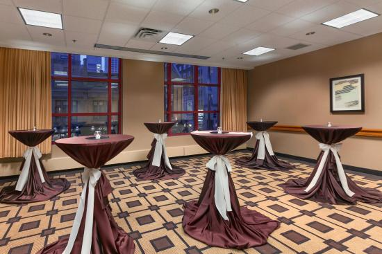 Embassy Suites by Hilton Chicago Downtown: Reception Event Space