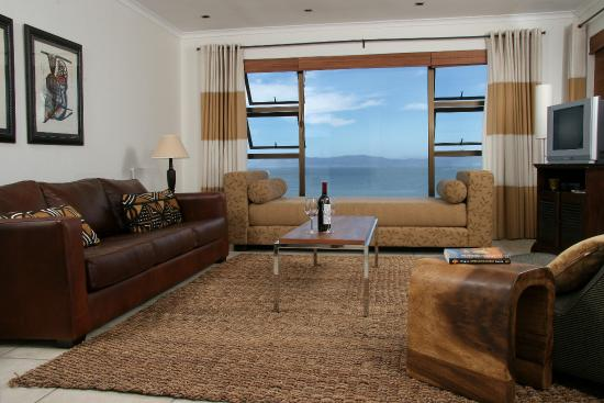 Cliff Lodge: Ocean Suite Lounge