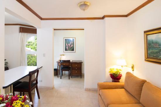 San Rafael de Escazu, Costa Rica: Living room Suite b¿B