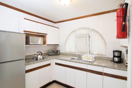 San Rafael de Escazu, Costa Rica: Fully equipped kitchen