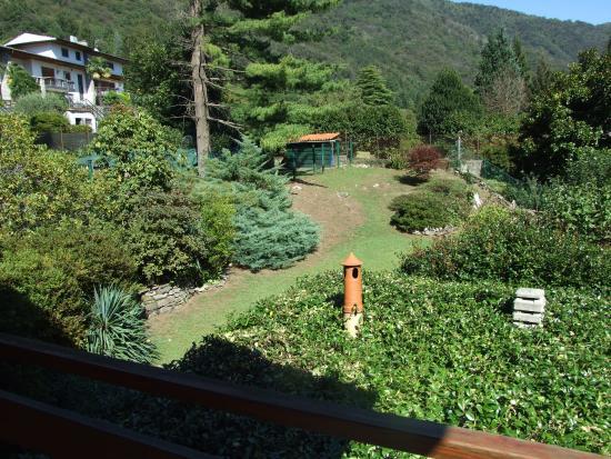 Bed and Breakfast La Casa nel Bosco: Vista dalle camere