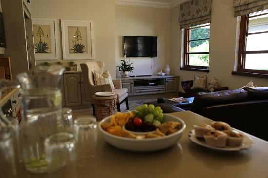 Durbanville, แอฟริกาใต้: snacks in kitchen