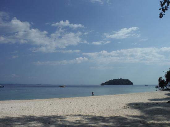 Manukan Island, Malasia: リゾートのプライベートビーチ素晴らしく綺麗
