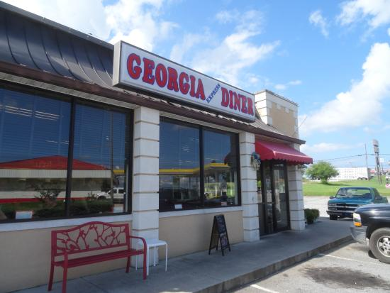 Georgia Express Diner: exterior of diner