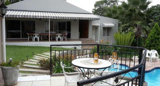 Muco Guesthouse: Garden