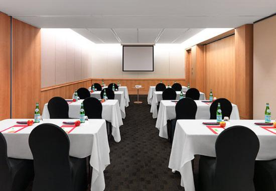 North Ryde, Australien: Macquarie Park 1 & 2 - Classroom Setup