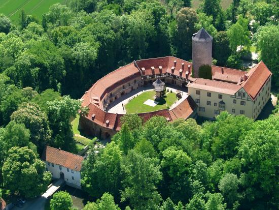 Hotel und Spa Wasserschloss Westerburg: Luftbild Westerburg