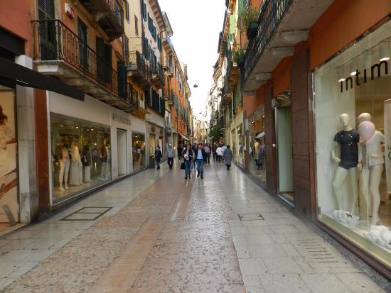 Via Mazzini - Picture of Via Mazzini 63abb18f9c2