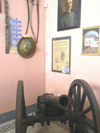 Grazzano Badoglio, إيطاليا: il cannone di Adua