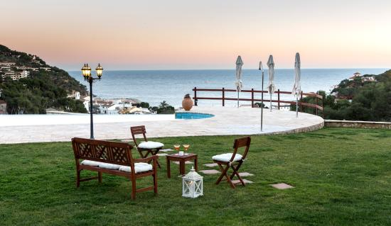 Hotel Blau Mar: piscina de noche