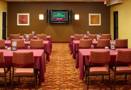 Clive, IA: Meeting Room