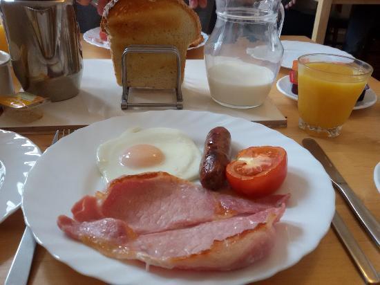 Everley Guest House: Una parte della colazione