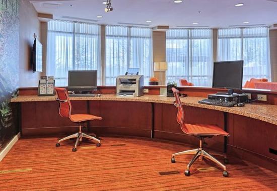 Mechanicsburg, PA: Business Center