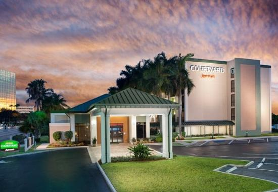 Photo of Courtyard By Marriott Fort Lauderdale East