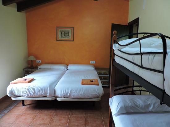 La Antigua Ferreria Hotel Rural: habitacion grande bungalow1
