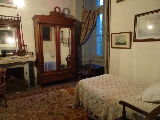 Монморильон, Франция: une des chambres
